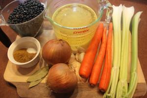 slow-cooker-black-bean-soup-ingredients